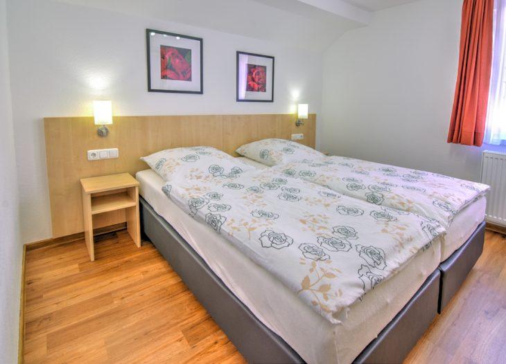 2. Schlafzimmer - Strelizia